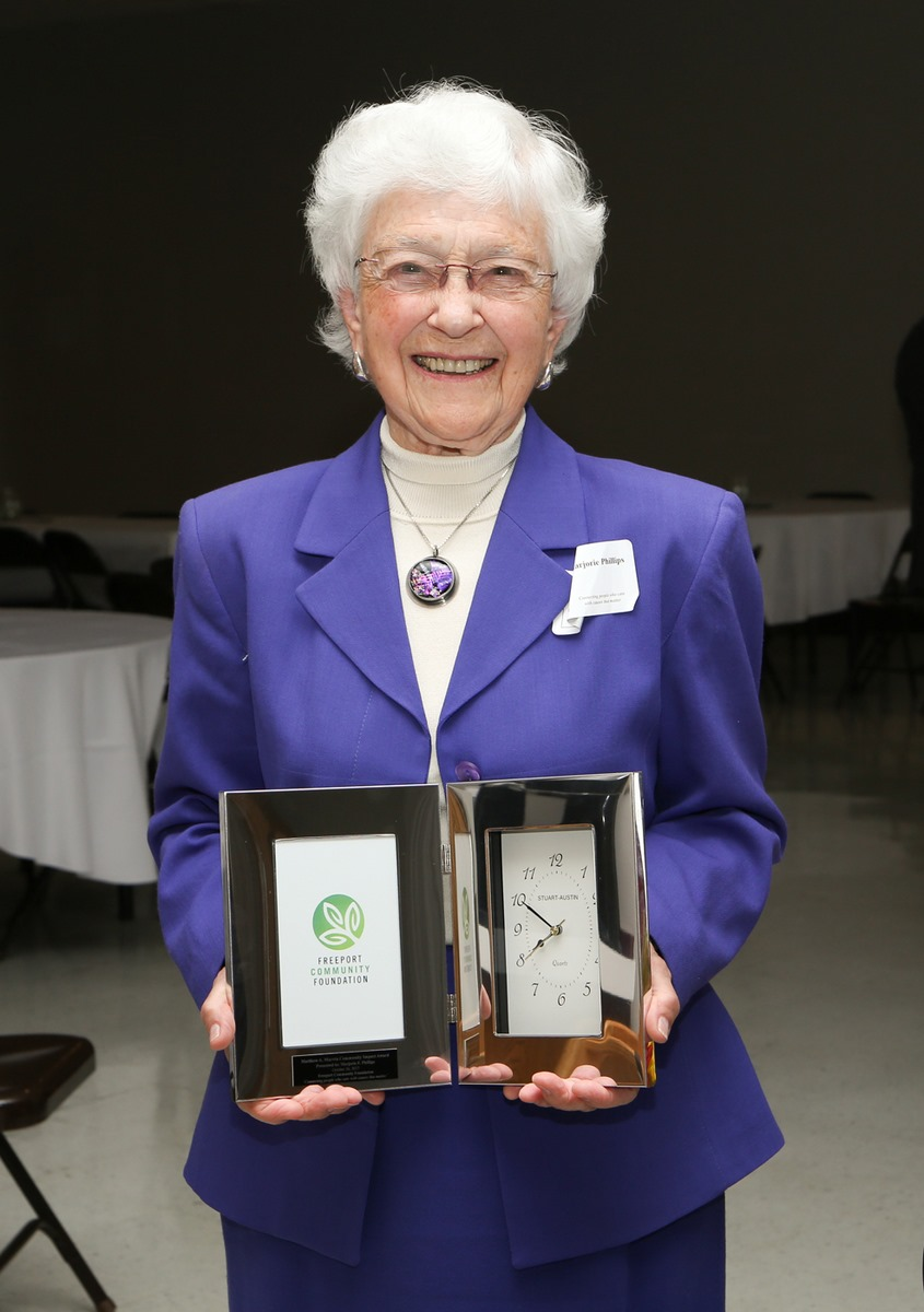 Marjorie F. Phillips accepts her 2017 Matthew A. Marvin Community Impact Award  at the Foundation's Fall Grant and Donor reception on October 26, 2017 Marjorie F. Phillips
